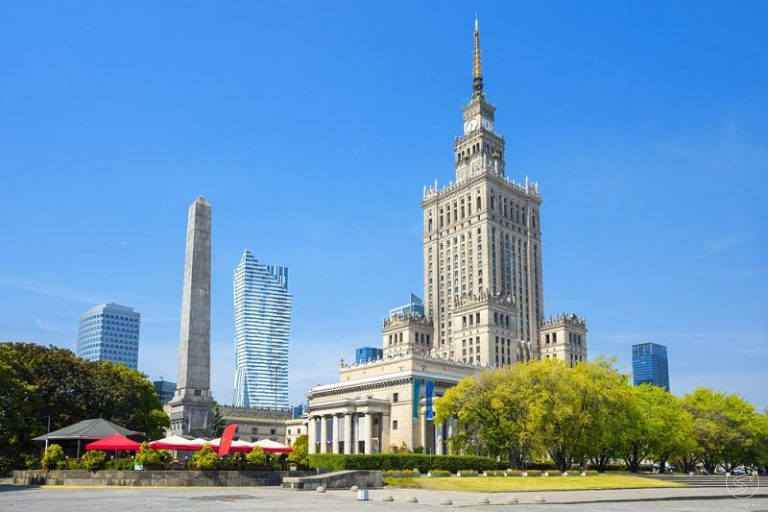 walking tour through the warsaw