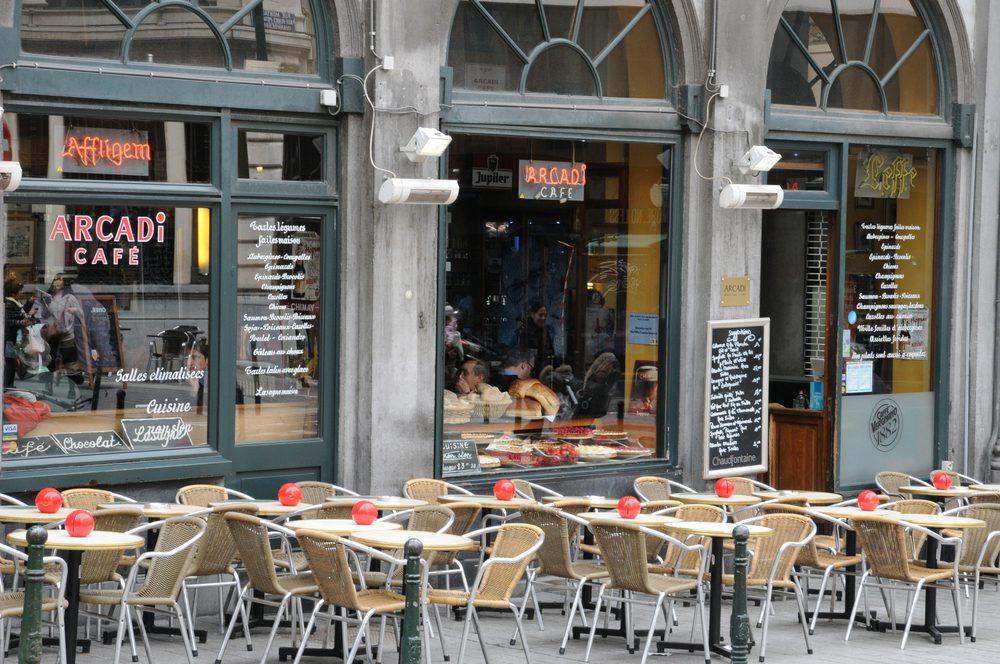 Timos a turistas en restaurantes en Bruselas