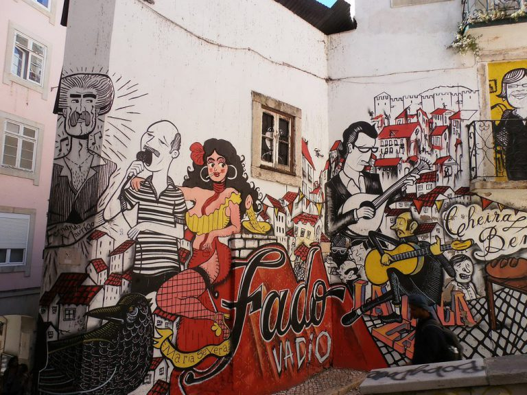 tour around unusual and lisbon