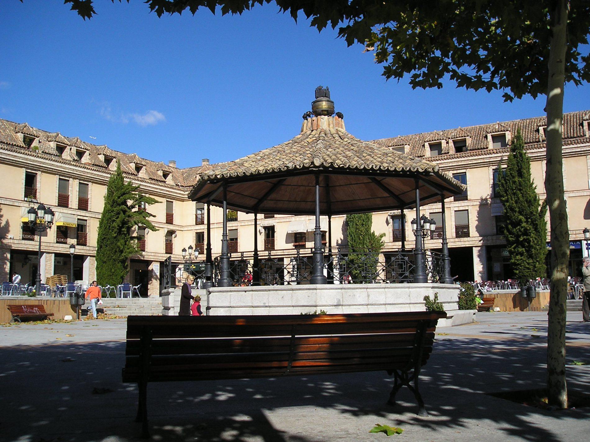 Accommodative drive to Madrid's las Rozas Village