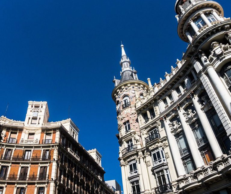 walking tour around center madrid