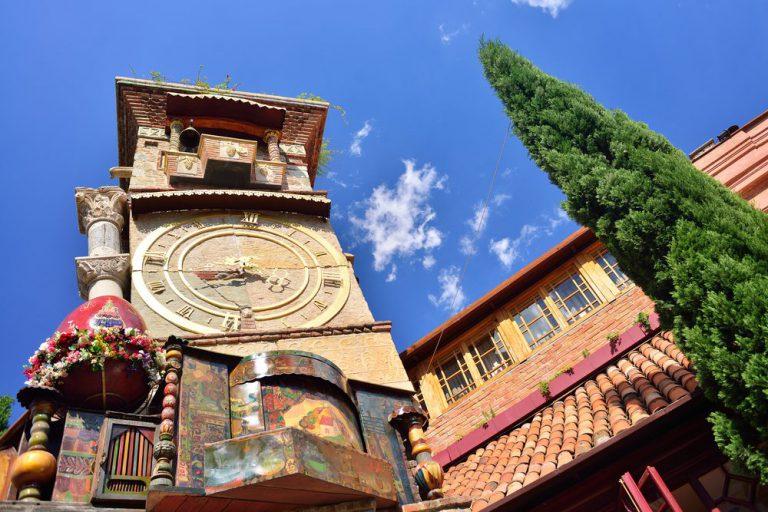 tour por la torre tbilisi