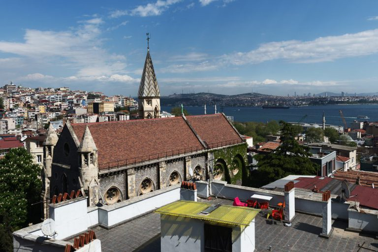 crimea memorial church  estambul