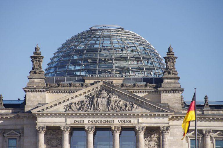 reichstag building   berlino